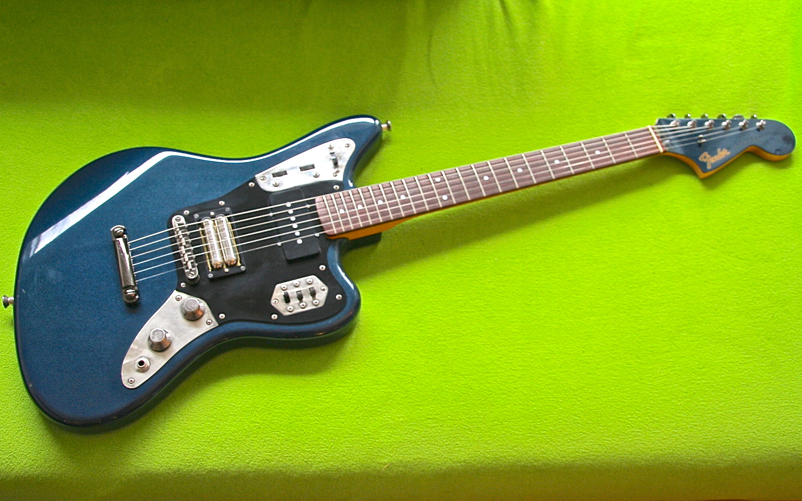 fender-jaguar-special-gunmetalicblue-1