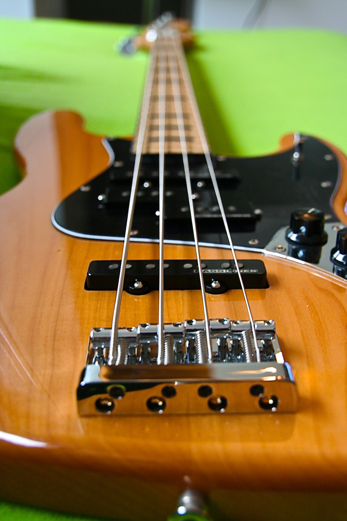 Squier Jazz Bass Vintage Modified - upgraded ! Squier-Jazzbass-upgraded-3