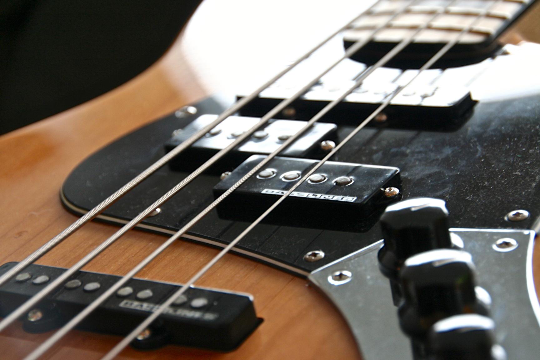 squier-Jazzbass-upgraded-7